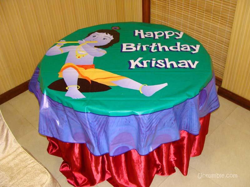 Cake Images With Name Krishna : Table covers Little Krishna theme - Untumble.com