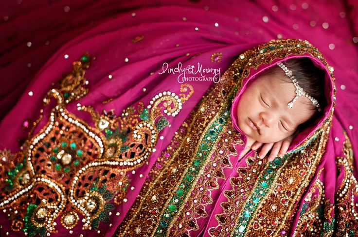 Baby shoot in wedding dress