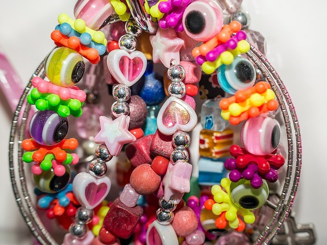 This Section Is For Children Who Love The Art Of Jewelry Designing Hand Over A Bracelet Kit To Put Together Great Accessories Be Worn As Style