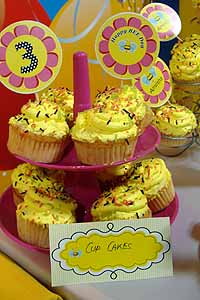 Cup Cake Toppers - Bumble Bee