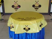 Bumble Bee theme Circular table cover with a message