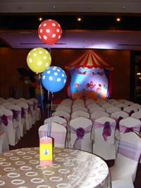 Box type centerpiece (Balloons not included) - Circus